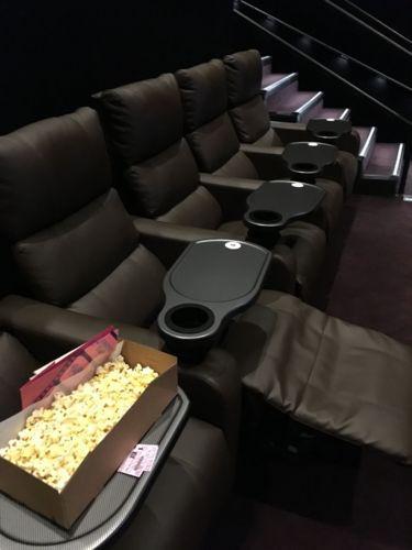 ハワイの映画館に初めて行ってきた〜ワードの映画館「Consolidated Theatres Ward 16」〜