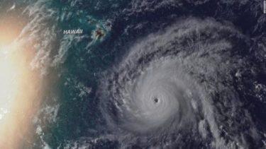 100記事記念なのに大型ハリケーン「レーン」がハワイに襲来・・・