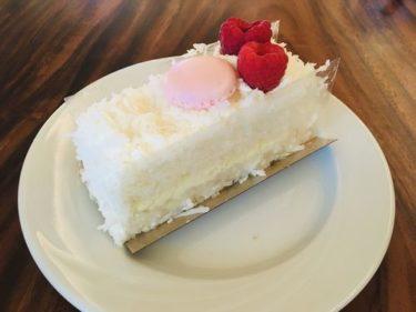 「ハレクラニベーカリー&レストラン」で名物ケーキを食べてみた!