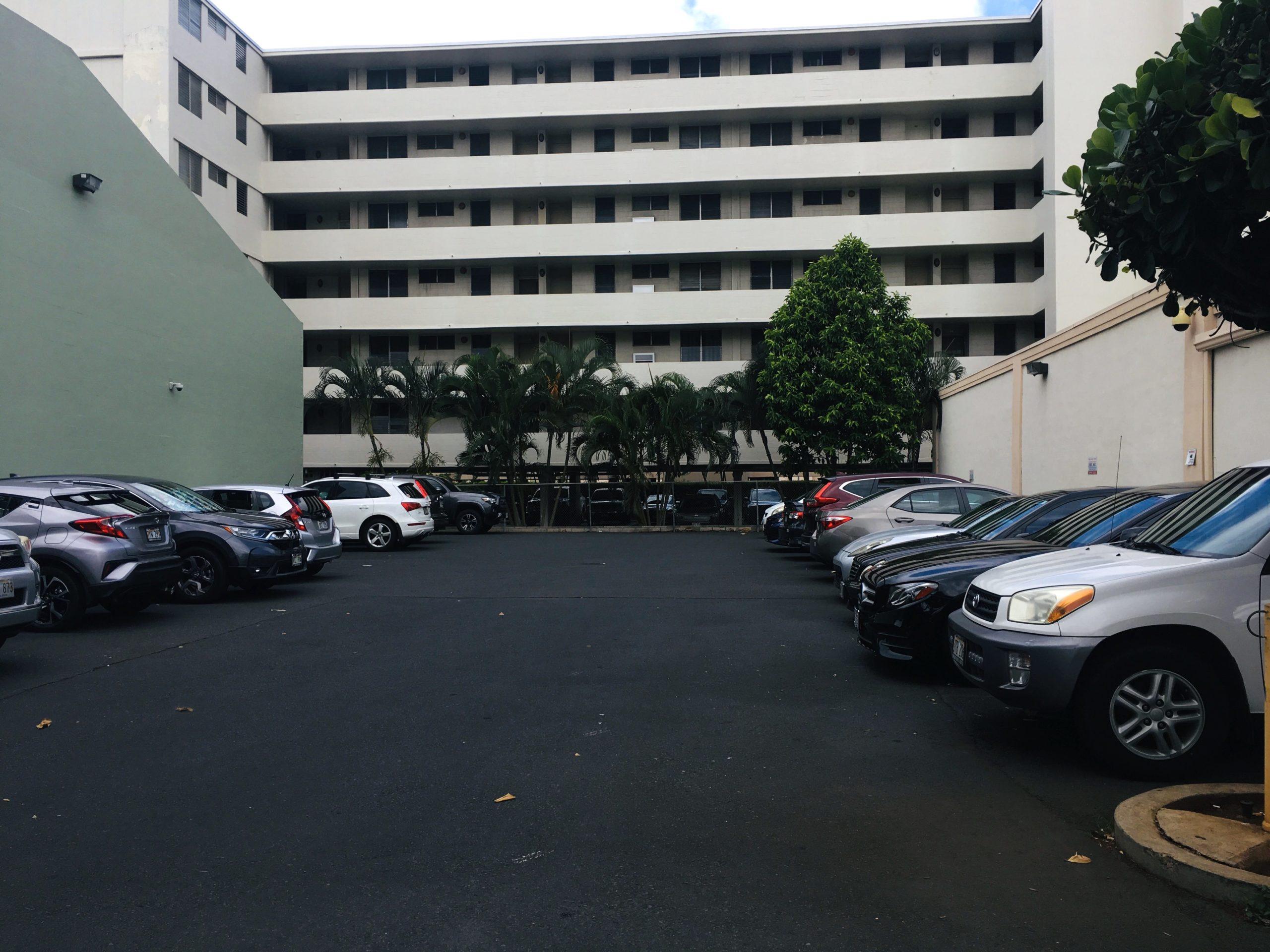 ファブリックマート駐車場