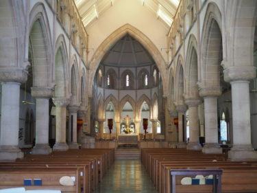 キリスト様がサーフィン?ホノルルのセントアンドリューズ大聖堂に行ってきたよ!