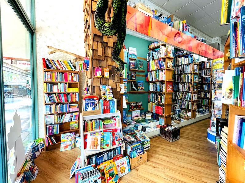ハワイの本屋さん・カイルアの本屋さん