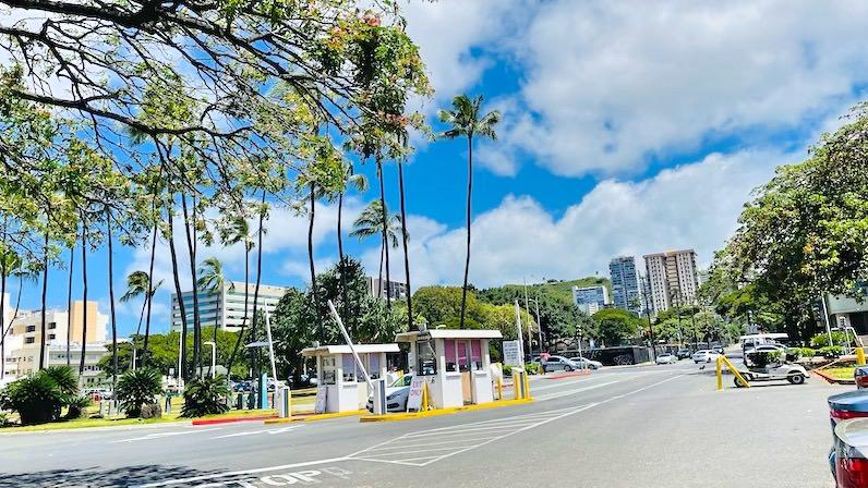 ハワイコロナワクチン接種会場駐車場