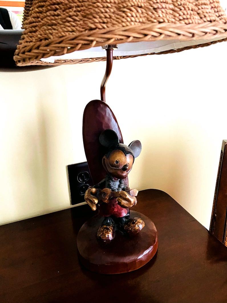 アウラニ・ディズニー・リゾートの部屋のランプがミッキー
