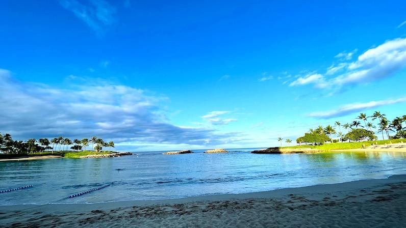 アウラニ・ディズニー・リゾートの朝のビーチ